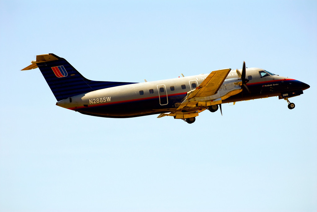 EMBRAER EMB-120<br /> San Luis Obispo County Regional Airport, California