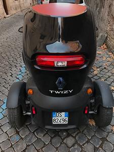 Renault Twizy  - Electric City Car