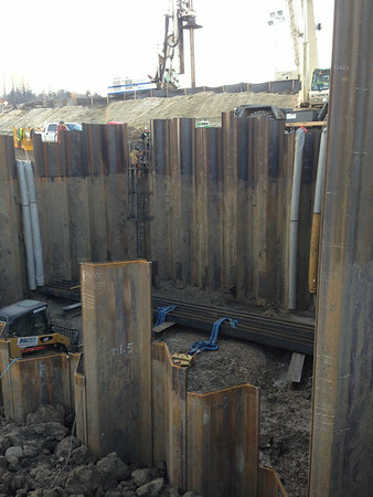 Excavating cofferdam on south side, October 2013.