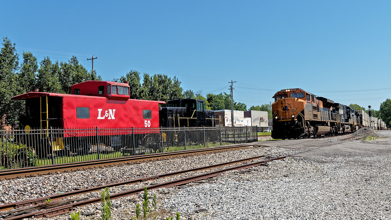 Train Rolls Through Stevenson in front of Depot