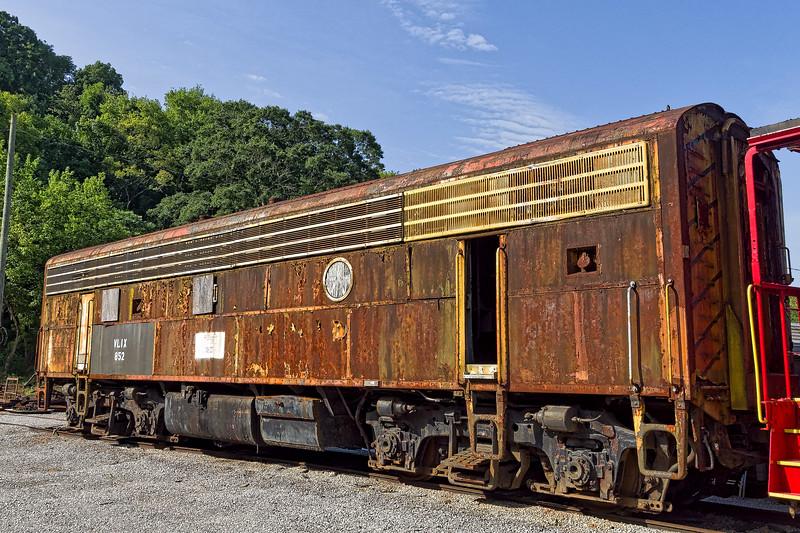 VLIX 852 Railroad Car
