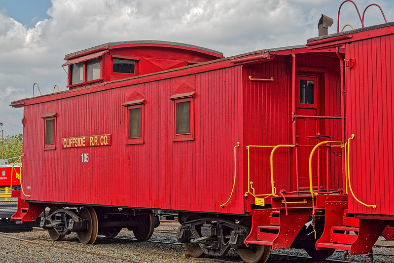 Cliffside Railroad Caboose 105