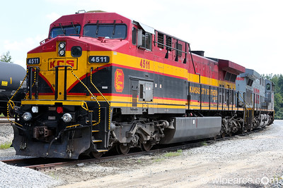 Kansas City Southern de Mexico #4511 and #4605, old and new paint schemes on a siding for maintenance in Jackson, MS