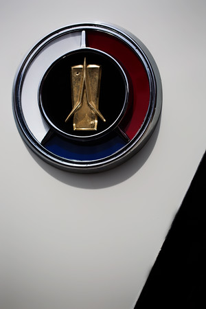 Plymouth Fury Logo