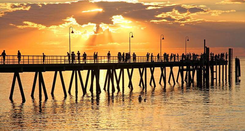 120) Glenelg Jetty Sunset	Ray Moxom		RELCC	4	3	7<br /> Great lighting, composition and flow