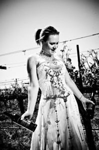1836-d3_Stacy_Trash_the_Dress_Livermore_White_Crane_Winery