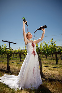 1824-d3_Stacy_Trash_the_Dress_Livermore_White_Crane_Winery