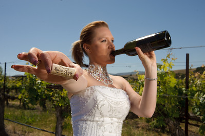 1801-d3_Stacy_Trash_the_Dress_Livermore_White_Crane_Winery