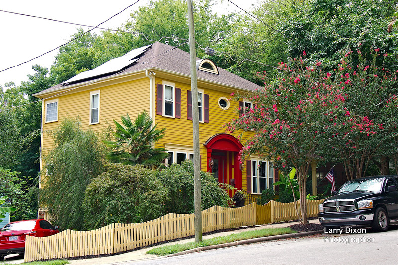 Historic home in Raleigh North Carolina, the bright colors indicated wealth