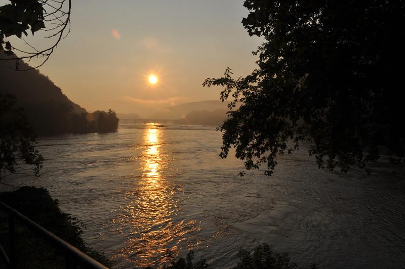065 Harper Ferry Sunrise