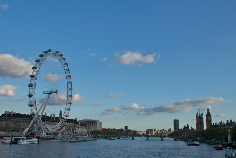 London's Eye on the Thames, opposite Houses of Parliament and Big Ben.