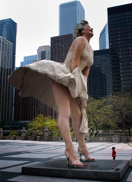 Marilyn Monroe and little girl, Chicago