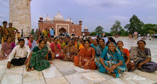 Group picture Taj Mahal, India