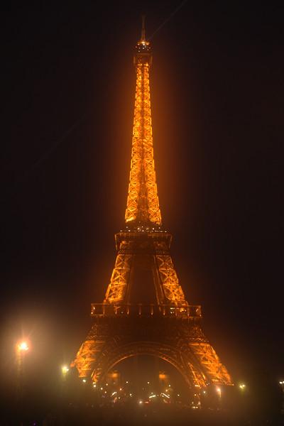 Paris Eiffle Fog
