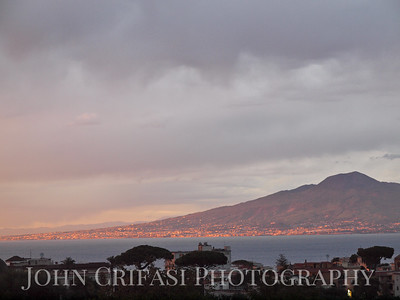 Dusk descends on Mt. Vesuvius.