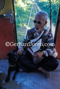 Phnom Penh Express, Blind man