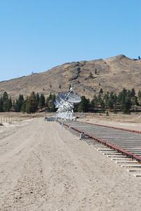 Oliver-Radio Telescope-Vernon, BC  10-11-09 011