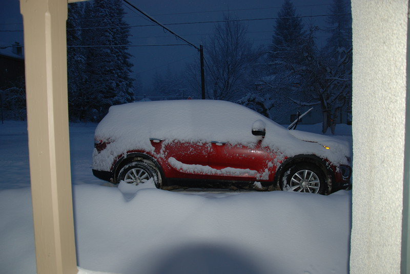 A snowy morning in Rossland.