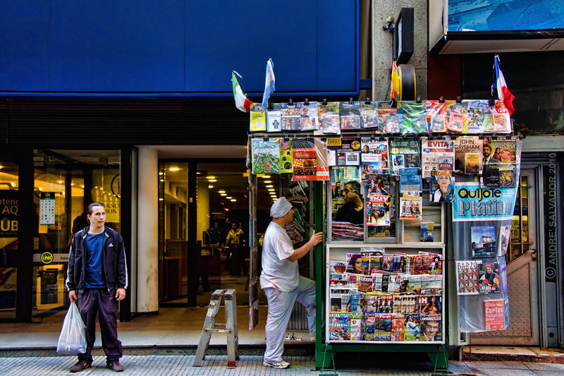 A magazine stand on Paraguay Street in fron of our hotel.