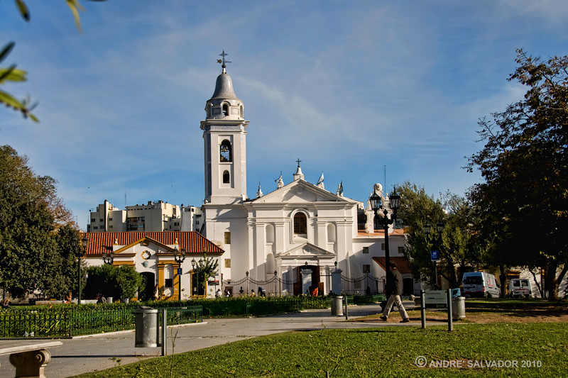 The church Paroquia Nustra Senora del Pilar lies beside the Recoleta cemetery.
