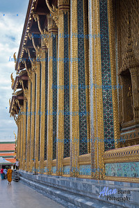 Walkway by the temple, Grand Palace, Bangkok, Thaoland