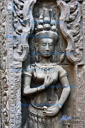 Devasta (minor female deity) at Ta Prohm temple