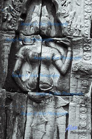 Devatas (minor female deity)  at Banteay Kdei