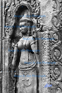 Devasta (minir female deities) at Ta Prohm