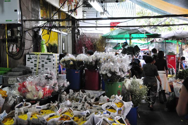 Bangkok street scenes - the Flower market