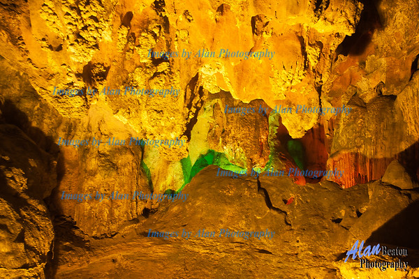 Dong Thien  Cung Cave