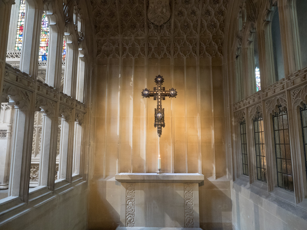 A beautiful little side chapel in Bath Abbey,