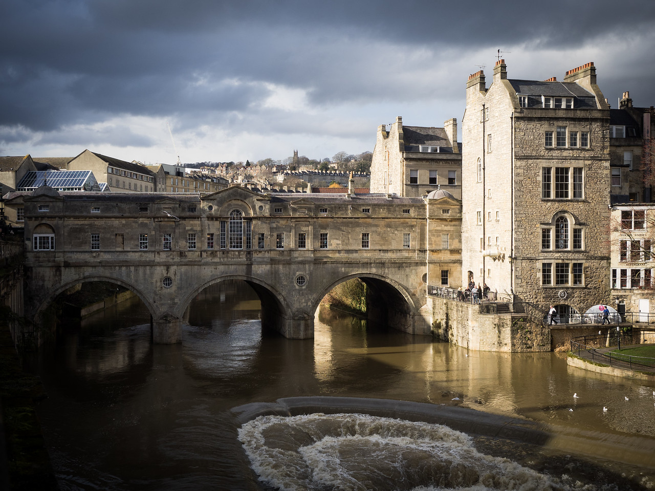The wonderful Pulteney Bridge, one of only four in the world to have shops along its span on both sides.