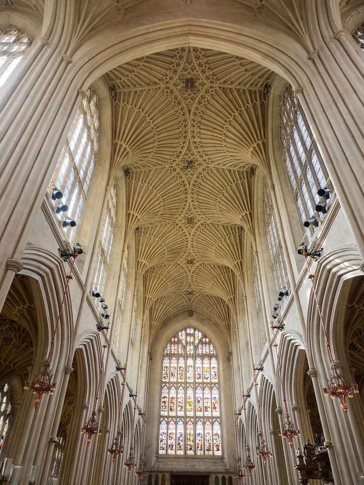 The wonderfully intricate ceiling of Bath Abbey.