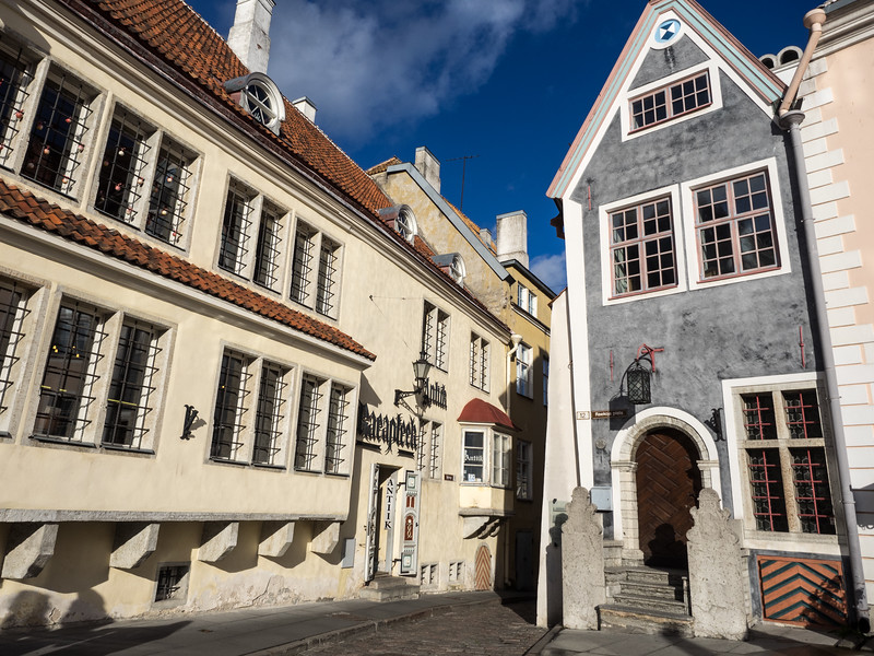 Town Hall Square, in the centre of Tallinn.<br /> Click on 2 below to continue