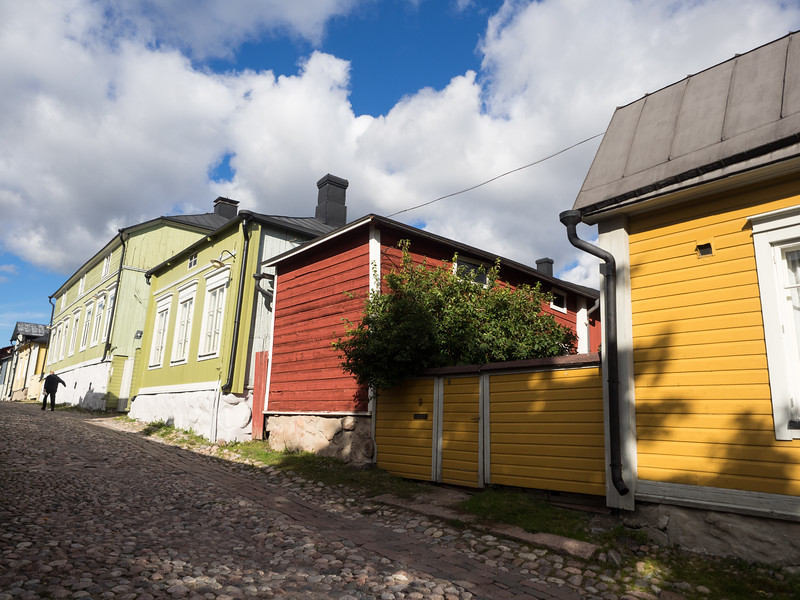 I took a day trip to the town of Porvoo, only an hour away from Helsinki by bus. It's the second-oldest town in Finland and is noted for its brightly-coloured wooden houses.