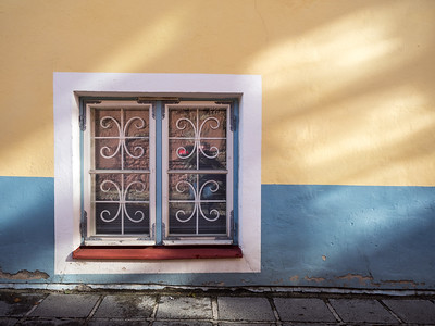 When the sun was shining in Tallinn it really brought out the beautiful colours on the streets.