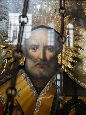 This icon in the cathedral had a strange hypnotic quality. I took lots of pictures and kept being drawn back to it.