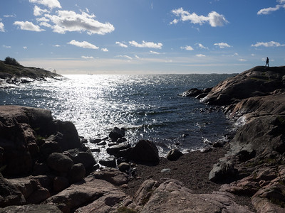 It was a beautiful day on the island, and the sea looked gorgeous. I just wish I'd had a picnic with me.