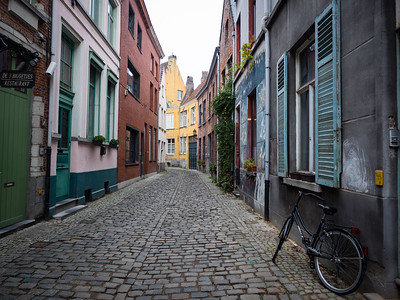 In the Patershoi area of Ghent - this used to be a bit of a slum area but has now been revitalised. It was a great place to wander around. And of course there's a bicycle propped up in just the right place.