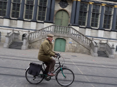 Everyone zips about on bicycles in Ghent. In fact it's quite dangerous - you had to keep looking out for approaching bikes and trams.