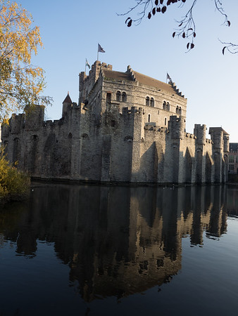 The brooding castle in the centre of Ghent, Het Gravensteen; even the name sounded sinister.