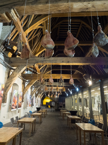 The Groot Vleeshuis, a market used in the Middle Ages to sell meat, and now a delicatessen. Those are real joints hanging from the ceiling.