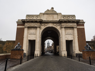 A road runs right though the Menin Gate.