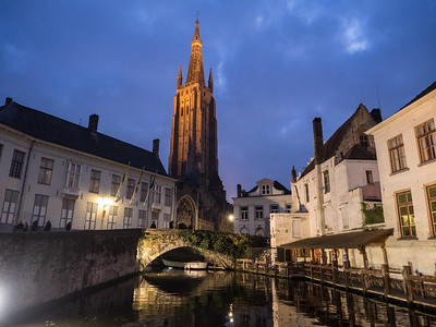 Bruges by night. Like Ghent, when dusk fell and the lights came on the town took on another ethereal kind of beauty.