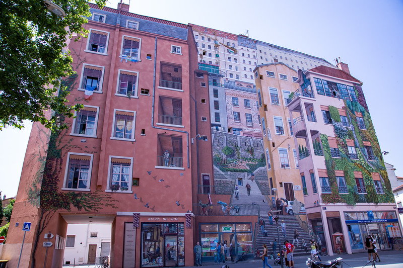 Mural - La Fresque des Canuts (the Silk-Weavers' Wall)