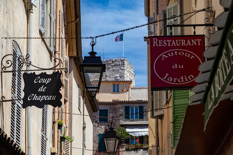 An Alley in Antibes
