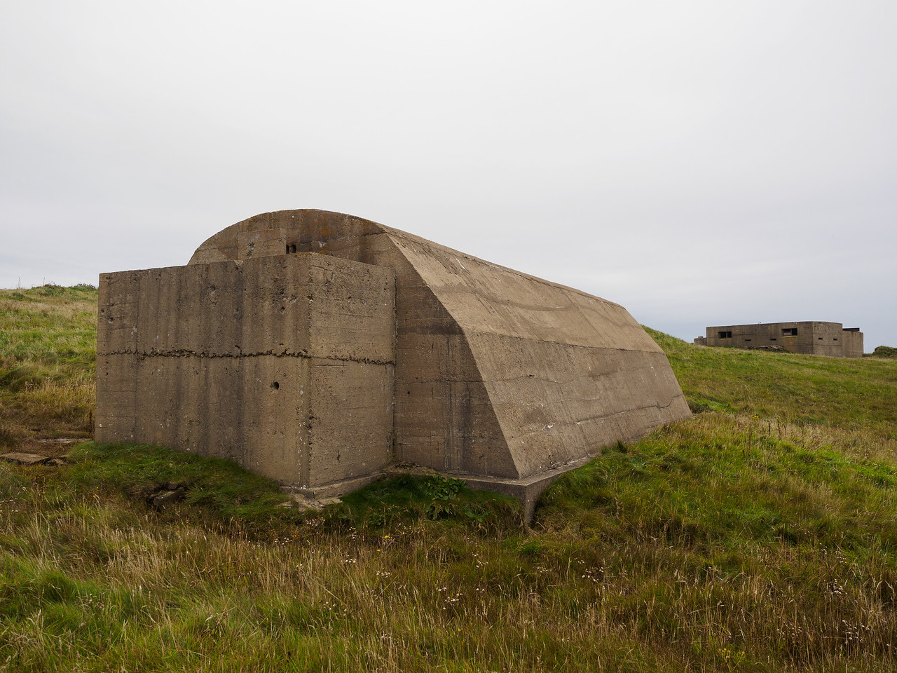 Remains of a WW2 gun battery, Hoxa Head