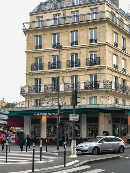 Even Starbucks are in Classy French Buildings!