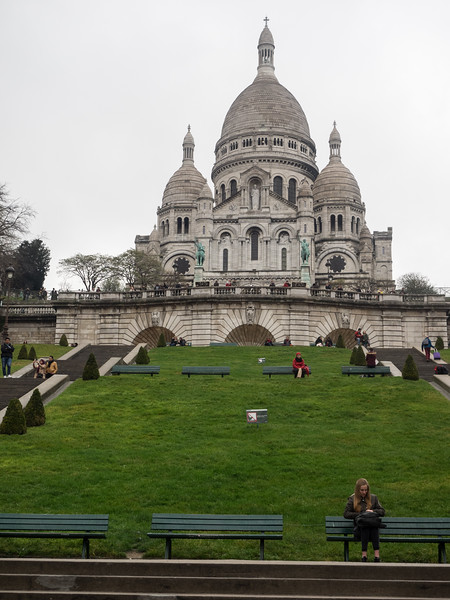 Apparently a lot of Parisians don't like Sacre Coeur, but I think it's quite impressive.
