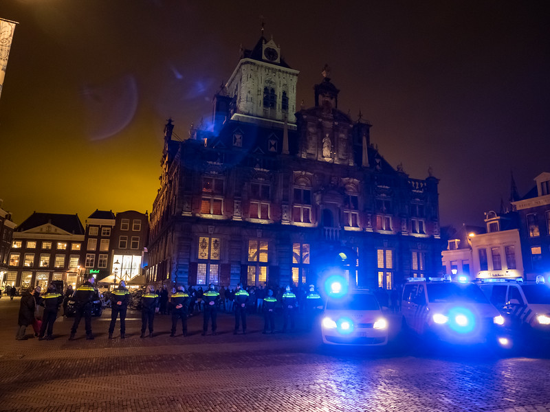 As I was leaving Delft a convoy of police cars, blue lights flashing, arrived at the town hall and all the cops got out and formed up in a line. I thought there was a terrorist incident or maybe an impending riot. But no...it was - as always, when I'm travelling - a wedding, presumably of a couple of cops. The local man who told me what was going on said his daughter got married in a dump truck. Maybe it's a Delft thing...